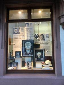 Schaufenster bei Albtal Hörgeräte in Ettlingen