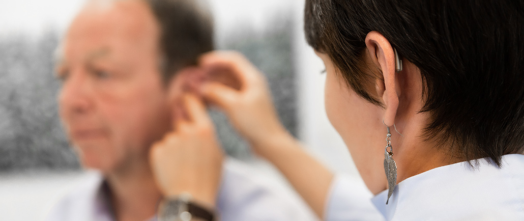 Hörgeräte Anpassung bei Albtal Hörgeräte Bad Herrenalb